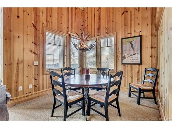 Perfect Turnkey Deer Valley Investment Property (photo 4)