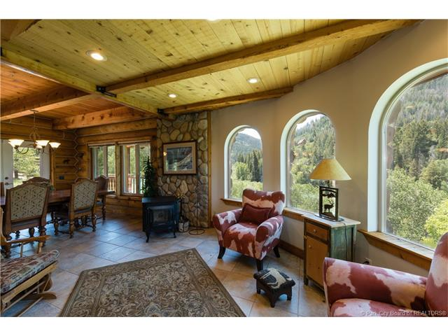 Gorgeous year-round cabin in the Uintas, 30 minutes from Deer Valley (photo 5)
