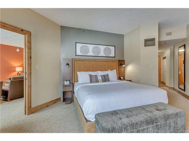 Newly Renovated 1-bedroom - Views of the OBX (photo 2)