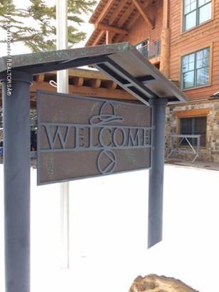 Condo/Townhouse, 1 Story - Teton Village, WY
