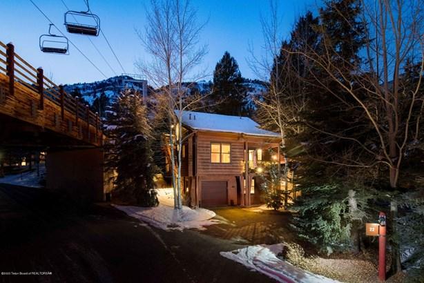 Condo/Townhouse, 2 Story - Teton Village, WY