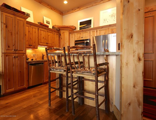 Condo/Townhouse, 1 Story - Victor, ID (photo 4)