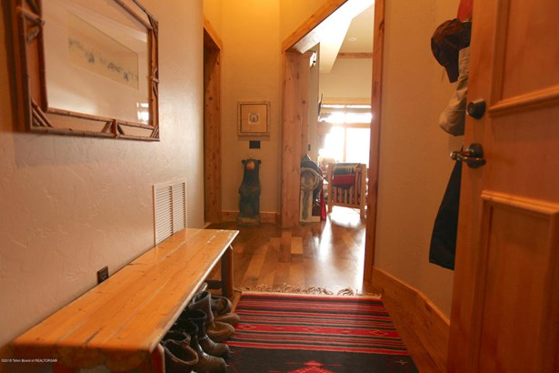 Condo/Townhouse, 1 Story - Victor, ID (photo 5)