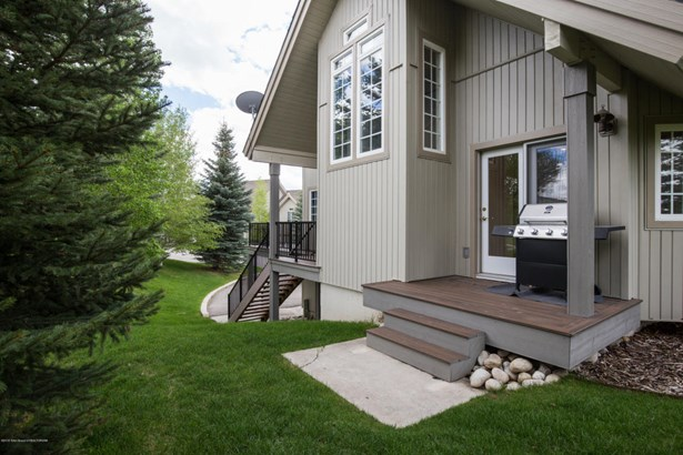 Condo/Townhouse, Multilevel - Driggs, ID (photo 2)