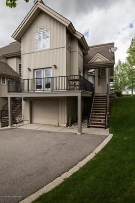 Condo/Townhouse, Multilevel - Driggs, ID (photo 3)