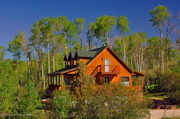Single Family - Star Valley Ranch, WY