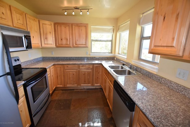 Condo/Townhouse, 2 Story - Victor, ID (photo 1)
