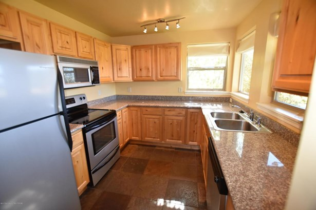 Condo/Townhouse, 2 Story - Victor, ID (photo 3)