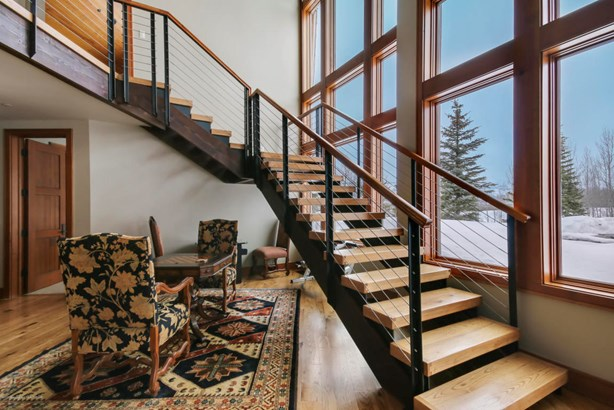 Multilevel, Single Family - Jackson, WY (photo 4)