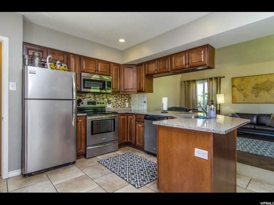 Bungalow/Cottage, Single Family - Salt Lake City, UT (photo 2)