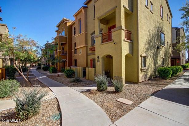 Townhouse, Contemporary - Phoenix, AZ (photo 3)