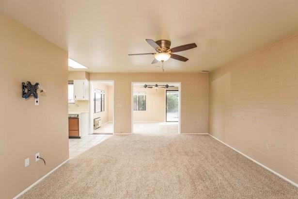Single Family - Detached, Ranch - Sun City, AZ (photo 3)