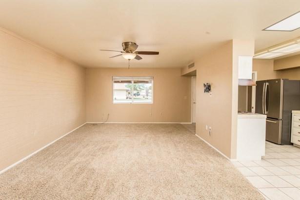 Single Family - Detached, Ranch - Sun City, AZ (photo 4)
