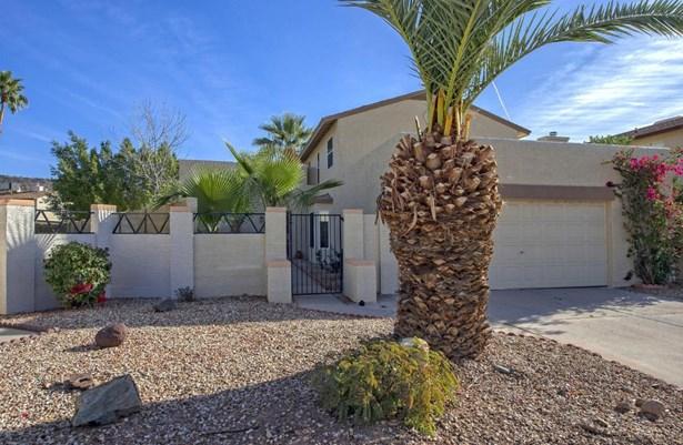 Single Family - Detached - Glendale, AZ (photo 2)