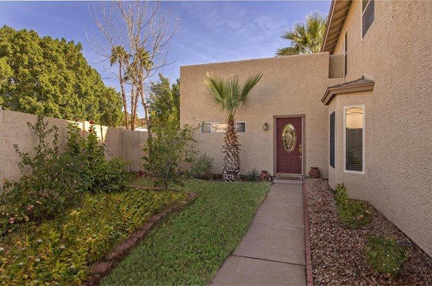 Single Family - Detached - Glendale, AZ (photo 3)