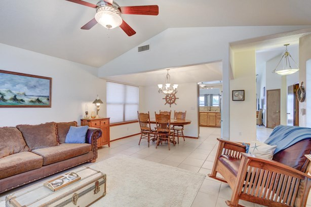 Single Family - Detached, Ranch - Glendale, AZ (photo 3)