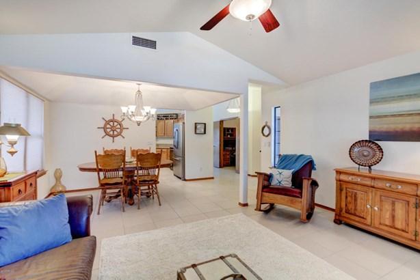 Single Family - Detached, Ranch - Glendale, AZ (photo 4)