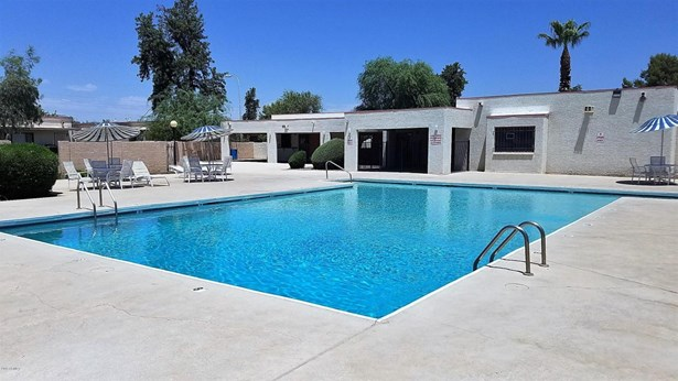 Patio Home - Glendale, AZ (photo 3)