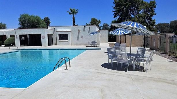 Patio Home - Glendale, AZ (photo 4)