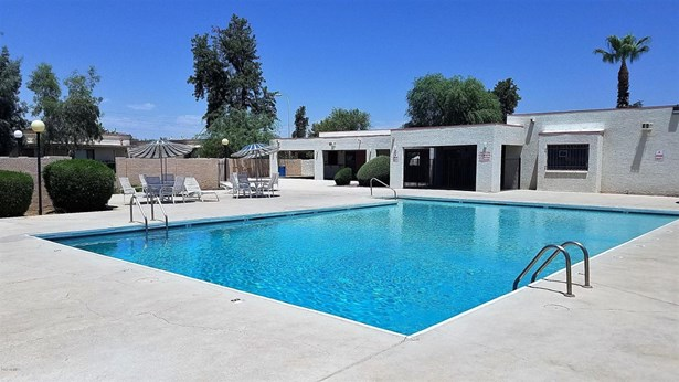 Patio Home - Glendale, AZ (photo 5)