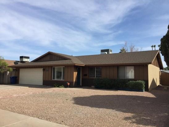 Single Family - Detached, Ranch - Tempe, AZ (photo 2)