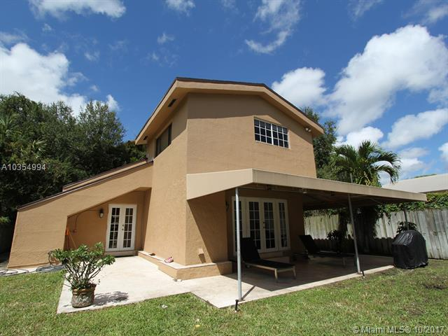 8601 Ne 4th Ave Rd, El Portal, FL - USA (photo 1)