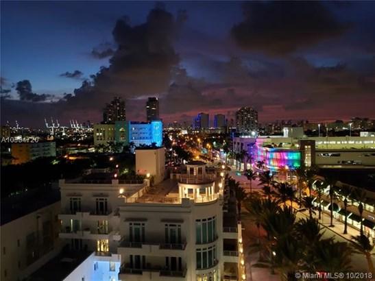 Royal Atlantic, 465 Ocean Dr 1005, Miami Beach, FL - USA (photo 1)