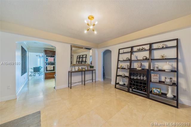 490 Central Blvd, Miami, FL - USA (photo 2)