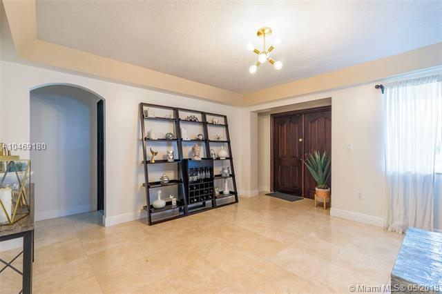 490 Central Blvd, Miami, FL - USA (photo 3)