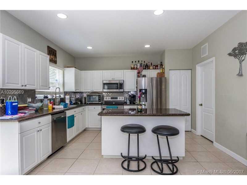 214 Ne 31st Ave, Homestead, FL - USA (photo 5)