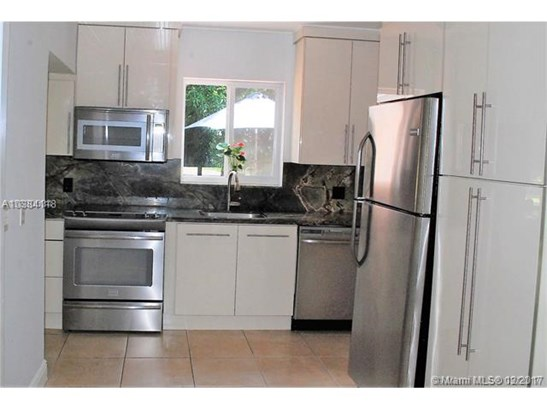 7001 Sw 63 Ct, South Miami, FL - USA (photo 3)