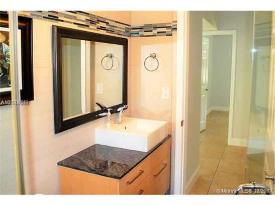 7001 Sw 63 Ct, South Miami, FL - USA (photo 5)
