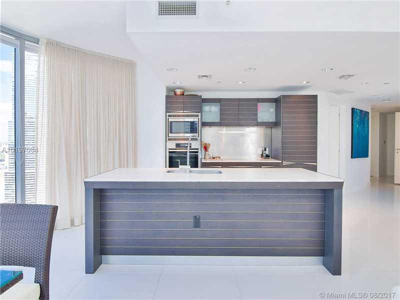 Epic Residences, 200 Biscayne Boulevard W 3302, Miami, FL - USA (photo 2)