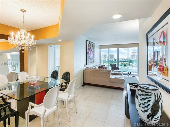 North Tower At The P, 21205 Yacht Club Dr 1504, Aventura, FL - USA (photo 4)