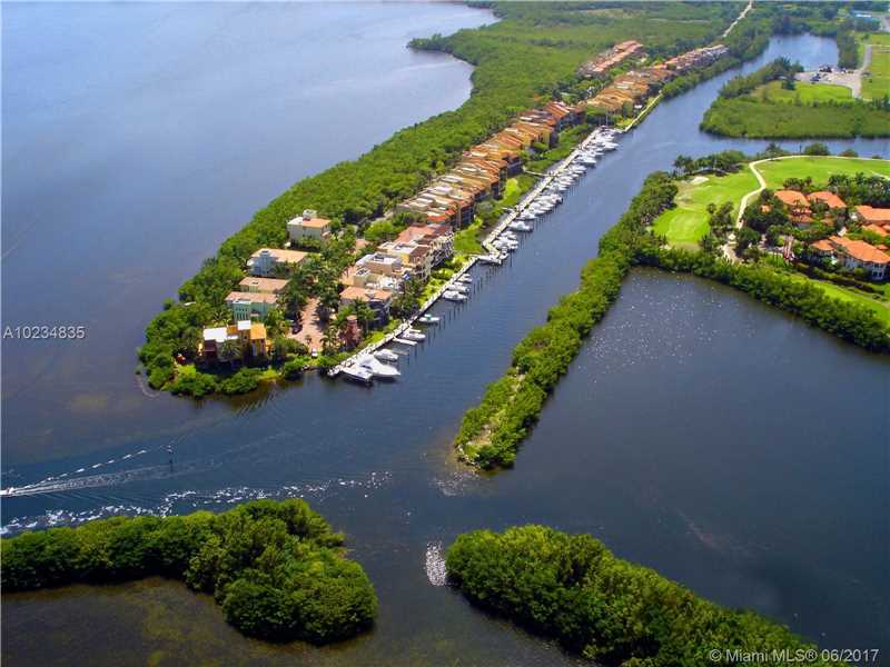 Royal Harbour Yacht, 6024 Paradise Point Dr, Palmetto Bay, FL - USA (photo 1)