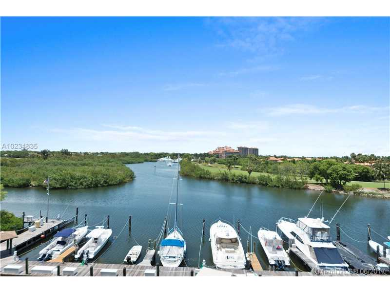 Royal Harbour Yacht, 6024 Paradise Point Dr, Palmetto Bay, FL - USA (photo 2)