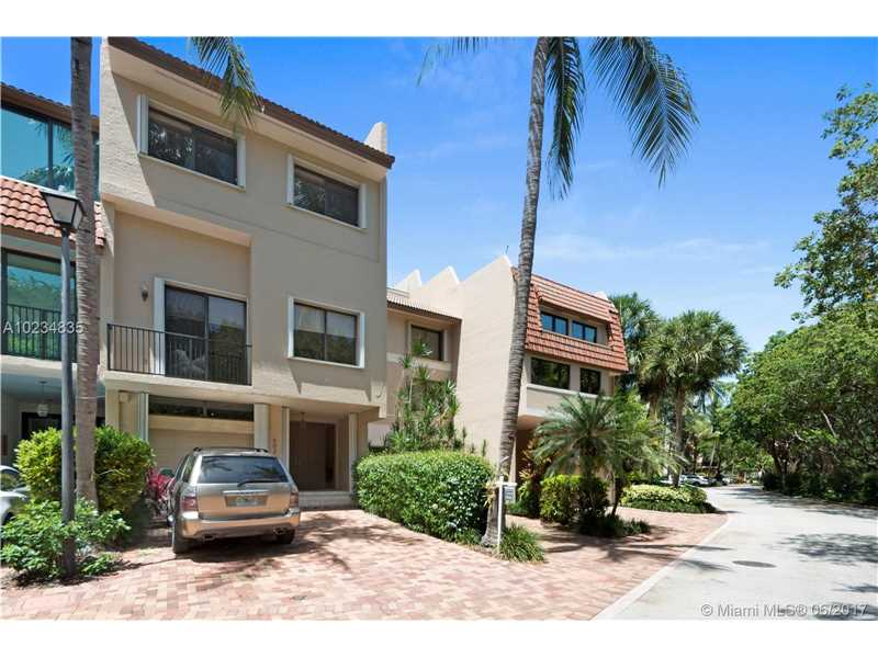 Royal Harbour Yacht, 6024 Paradise Point Dr, Palmetto Bay, FL - USA (photo 3)