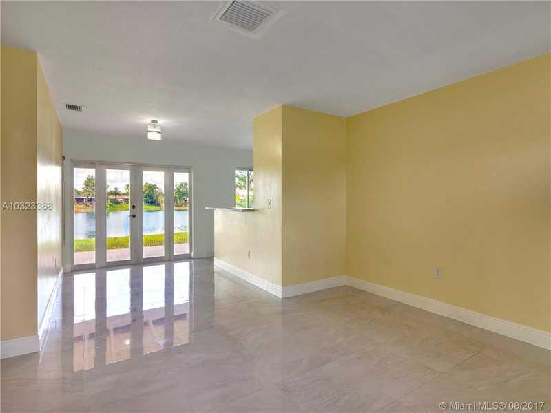 1300 W 82nd St, Hialeah, FL - USA (photo 2)