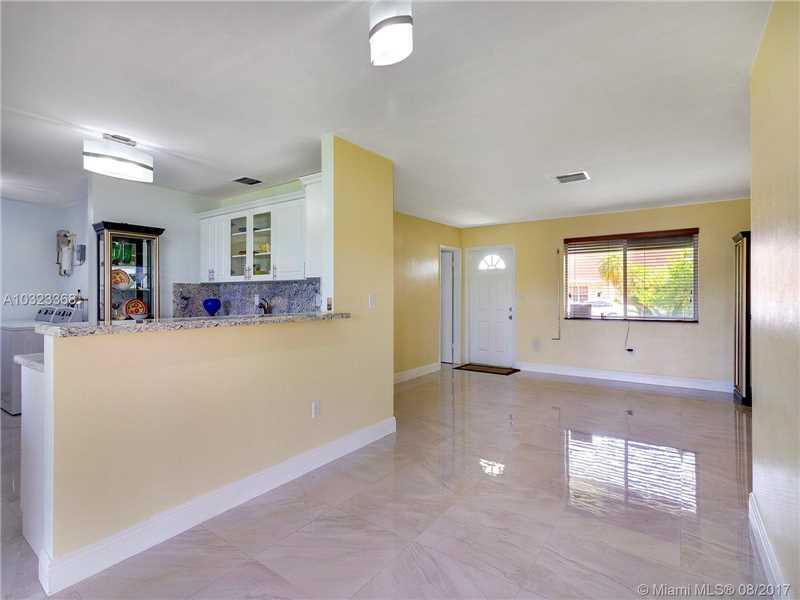 1300 W 82nd St, Hialeah, FL - USA (photo 3)