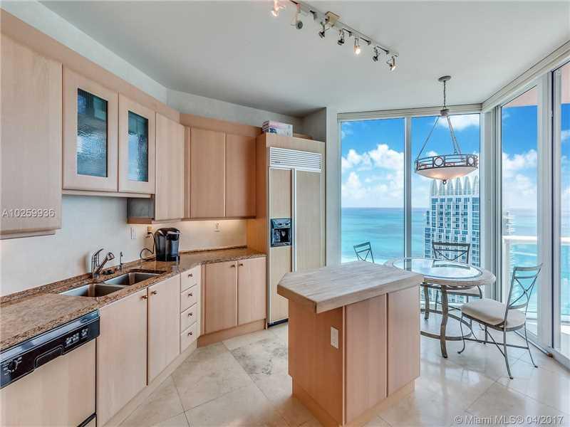 Portofino Tower, 300 S Pointe Dr 3801, Miami Beach, FL - USA (photo 3)