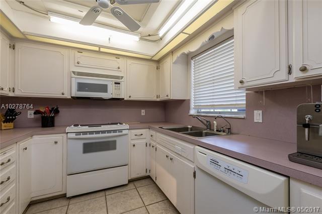 Laurel Terrance, 2820 Ne 30th Street 1, Fort Lauderdale, FL - USA (photo 2)