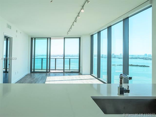 Icon Bay, 460 Ne 28th St 3408, Miami, FL - USA (photo 3)
