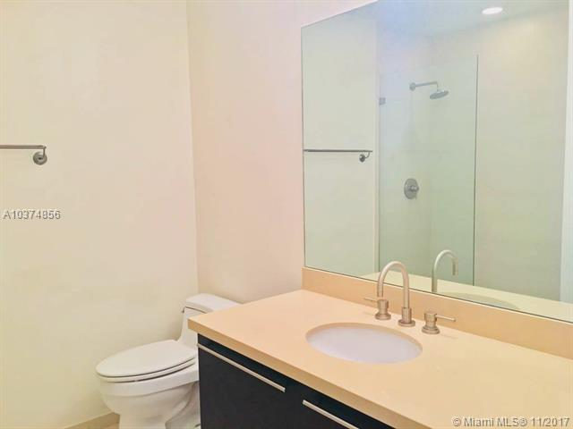Eloquence On The Bay, 7928 East Drive 503, North Bay Village, FL - USA (photo 2)