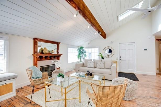 Single Family Residence - Manhattan Beach, CA
