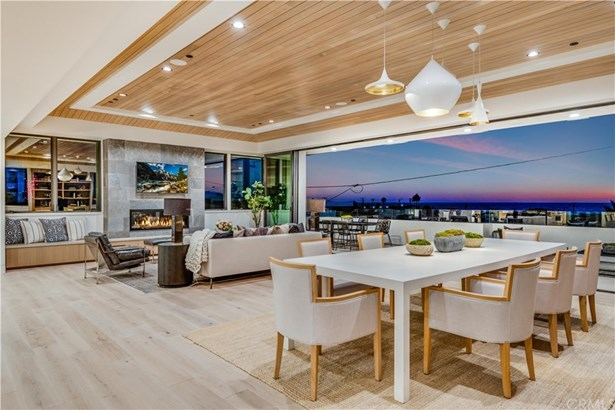 Townhouse, Modern - Hermosa Beach, CA