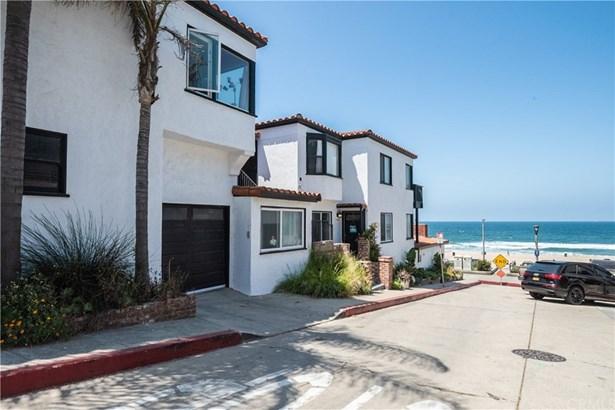 Spanish, Quadruplex - Manhattan Beach, CA