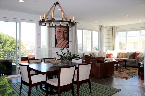 Condominium - Hawthorne, CA