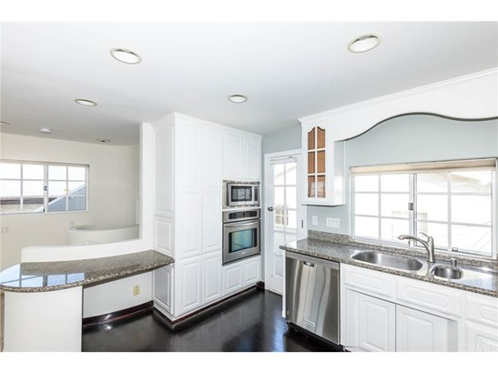 Single Family Residence - Manhattan Beach, CA (photo 5)