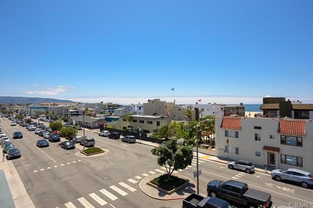Condominium - Hermosa Beach, CA