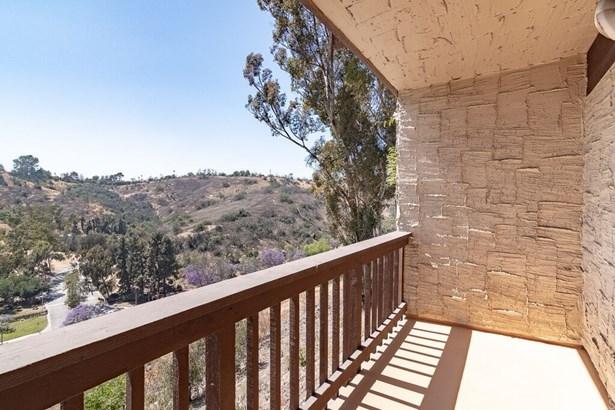 Condominium, Spanish - Monterey Hills, CA (photo 1)